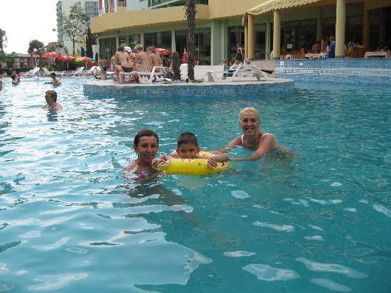 MPM Kalina Garden: The pool
