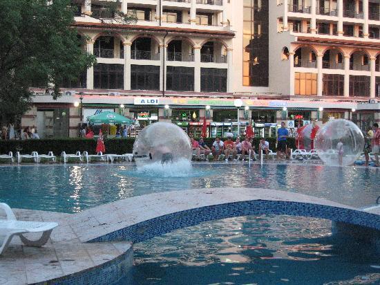 MPM Kalina Garden: The pool 2