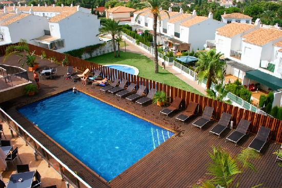 Apartamentos Albir palace: Pool area