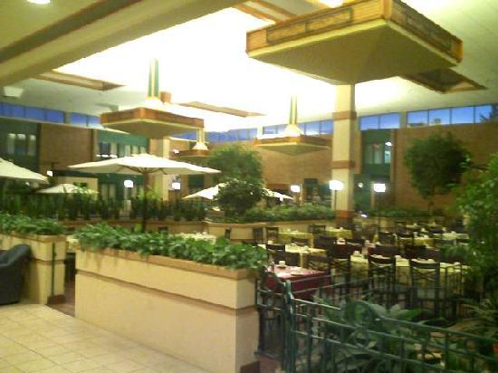 The Glenmore Inn & Convention Centre: Cafe