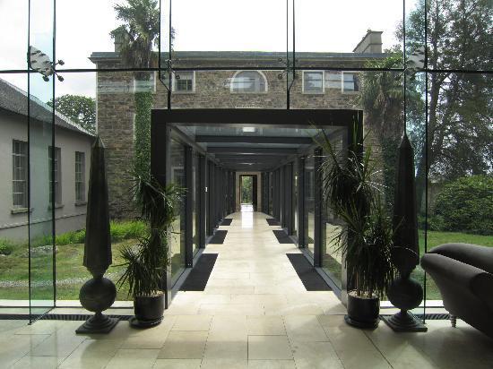 Monart: Nice entrance