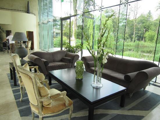 Monart: lobby area
