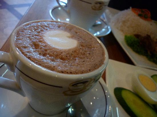 Madam Kay's Platz Cafe: Hot chocolate