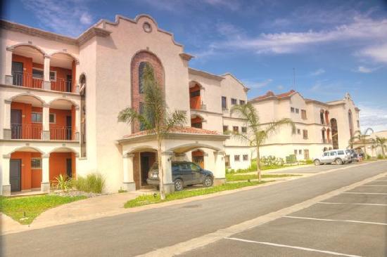 Palmas de Tamarindo: Parking