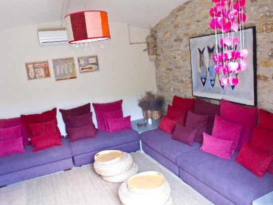 Aiguaclara Hotel: sitting room