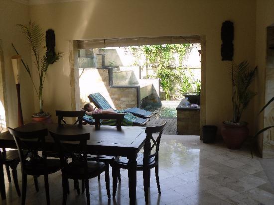 Villa Diana Bali: downstairs area of villa 301