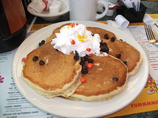 Mr Pancake: Peanut butter pancakes.....mmmmmm!