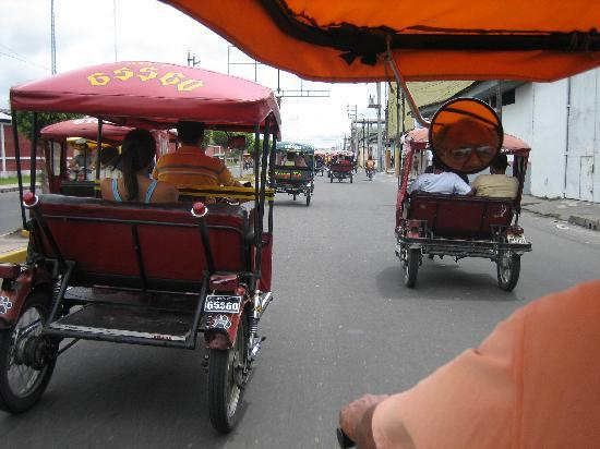 Iquitos, Perú: The Mototaxi - don't worry you'll make it