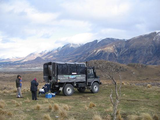 4x4 New Zealand : Lunch overlooking Mt Sunday