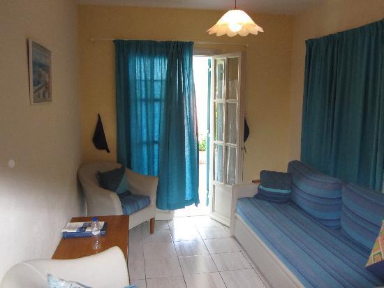 Karteri Apartments: Lounge
