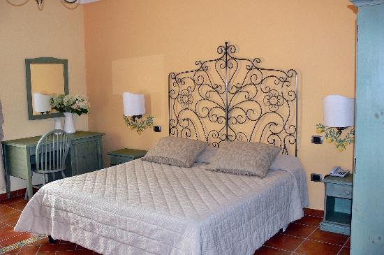 Podere Don Peppe 1884: Schlafzimmer