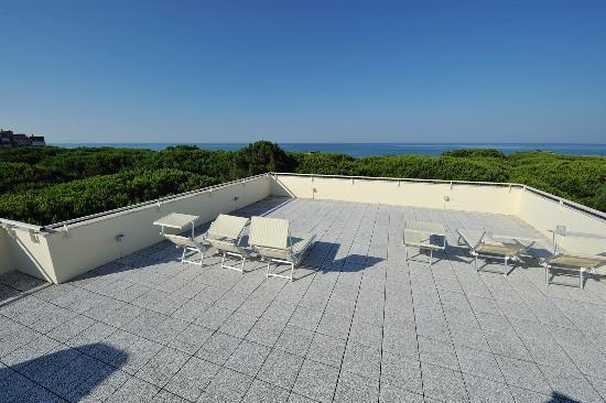 Hotel Rosmarina : La terrazza-solarium