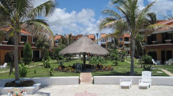Villas Playasol : view of the condo complex