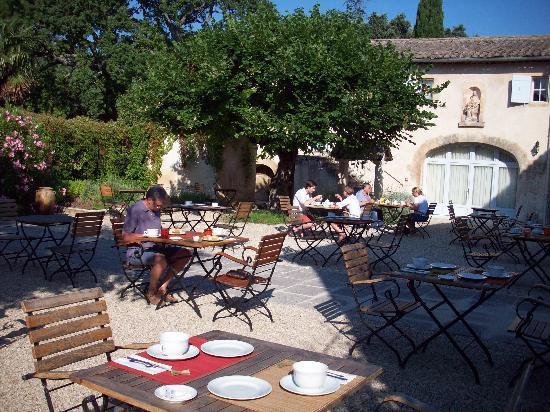 Hotel La Bastide du Bois Breant : Courtyard