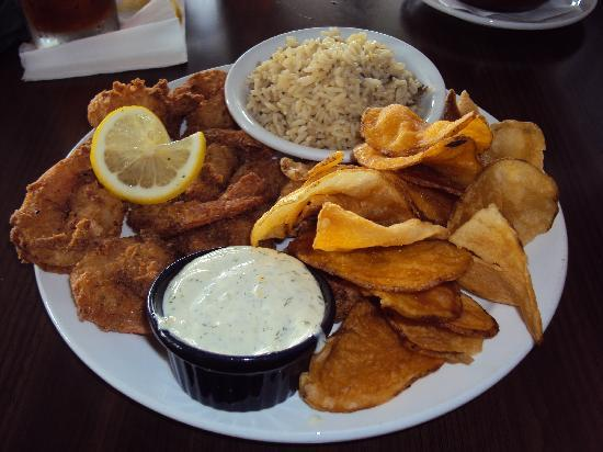 Palmetto, FL: shrimp dinner with homemade potato chips
