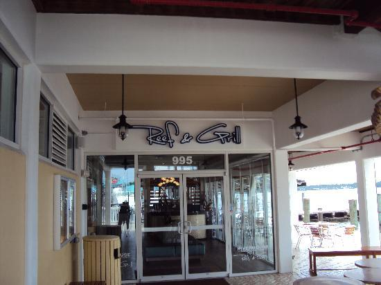 Palmetto, Флорида: entrance of restaurant