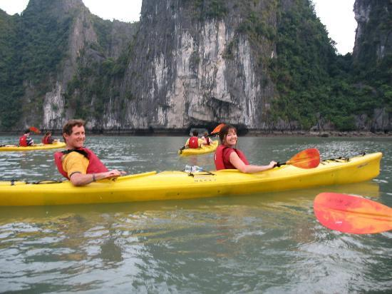 Bach Tung Diep Hotel: tour i enjoy in halong bay once time