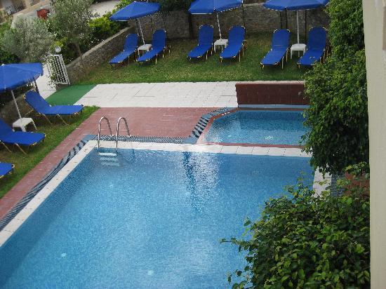 Hotel Olympia: Pool area