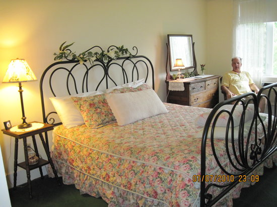 Haven River Inn: One of 14 rooms -ours