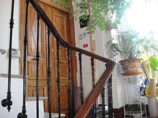 Hotel Wilson : Door on third floor.
