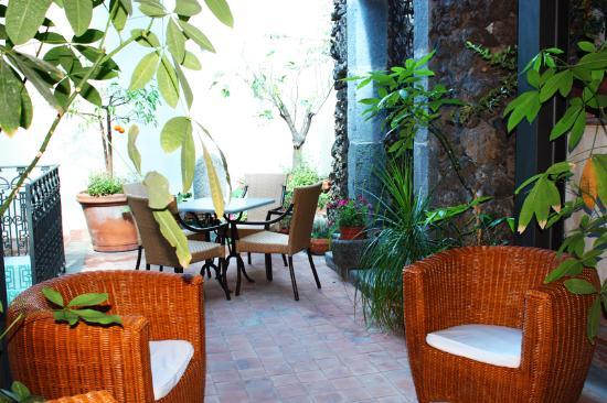 Rigel Hotel: HR Catania-Garden court-yard on upper floor
