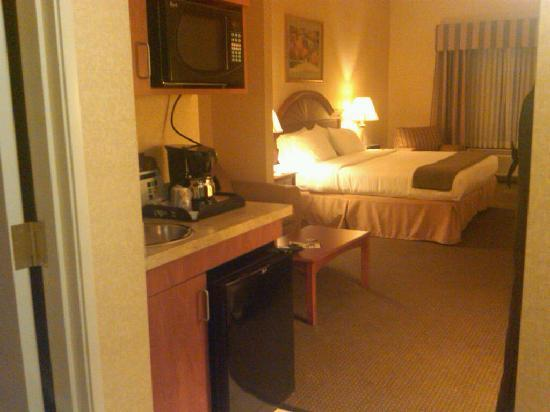 Holiday Inn Express Hotel & Suites Drums-Hazelton: All suites include a refrigerator.
