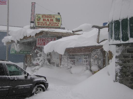 Wild West Pizzeria in winter