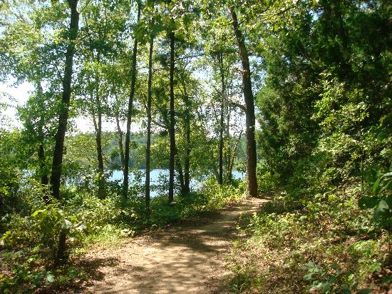 Tyler, TX: trail around the lake
