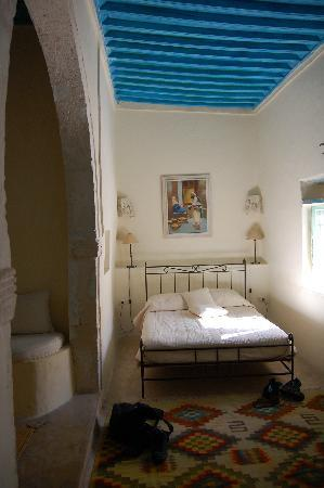 Dar Dhiafa: Bed area