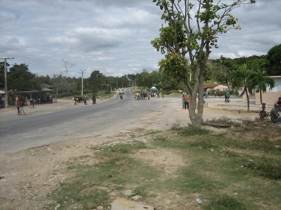 Strasse nach Biran