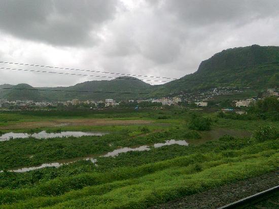 Мумбаи (Бомбей), Индия: khandala hills