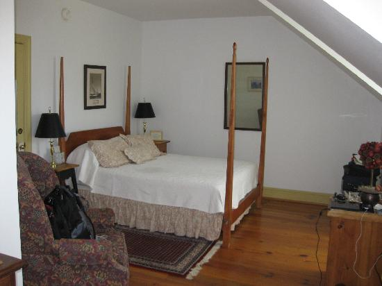The Inn at Osprey Point: Cotton Blossom--very large room!