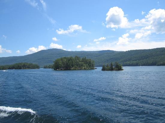 Carey's Lakeside Cottages: Lake George
