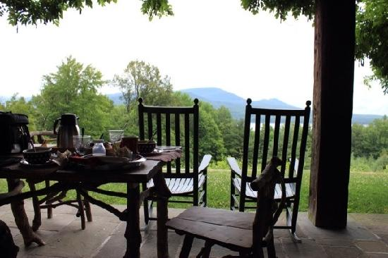 Ashokan Dreams Bed and Breakfast: Breakfast at Ashokan Dreams (Reservoir Suite)