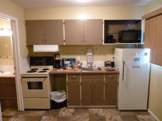 Kokanee Glacier Resort: kitchen