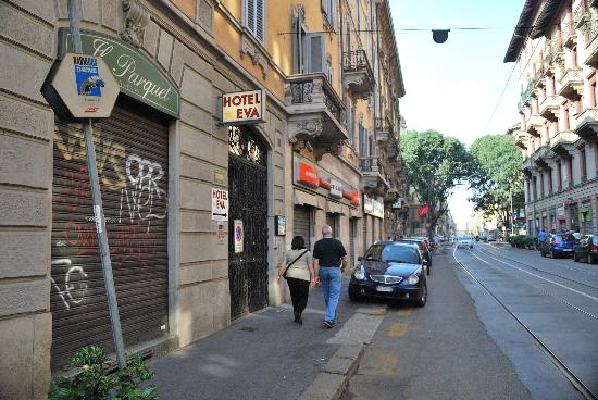 Hotel Arno: outside street