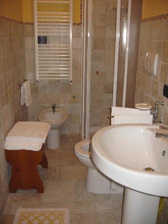 La Terrazza del Subasio: 2nd bathroom