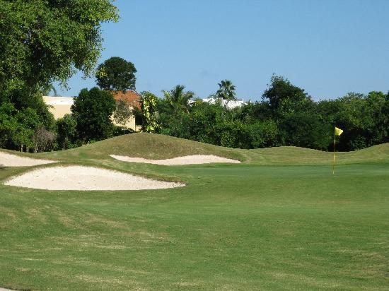 Playacar Golf Club : sand? we're at the beach after all...