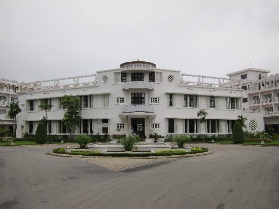 La Residence Hue Hotel & Spa - MGallery by Sofitel: La Residence entrance