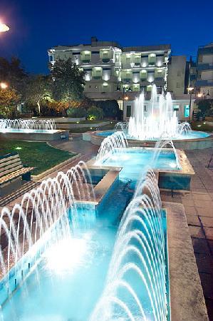 Hotel San Marco : dalla piazza delle fontane * from the fountain square