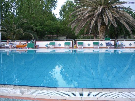 Villaggio le Palme: piscina