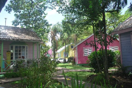 Holetown, Barbados: Chattel Village shops