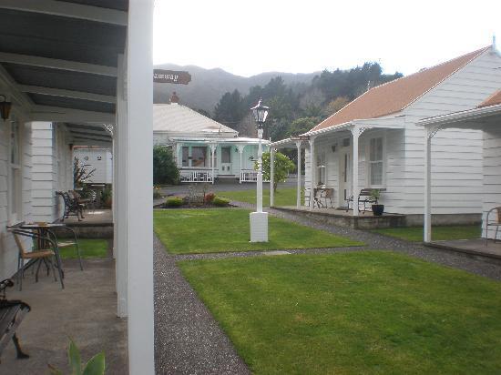 Coromandel Colonial Cottages Motel: accomodation units
