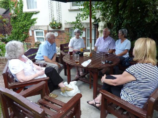 The Grange Hotel: Relaxing in the garden