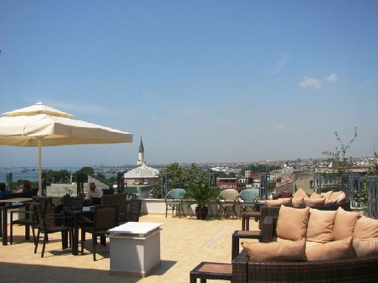 Hotel Amira Istanbul: Terrace of Amira hotel