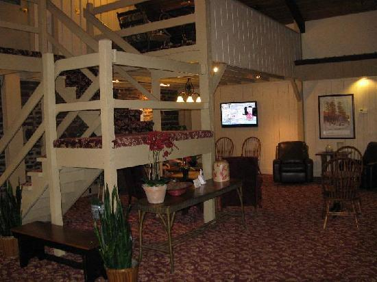 Pine Barn Inn: Main Lobby
