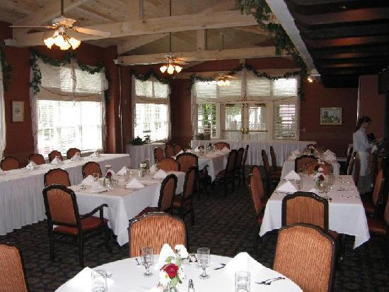 Pine Barn Inn: Dining Room