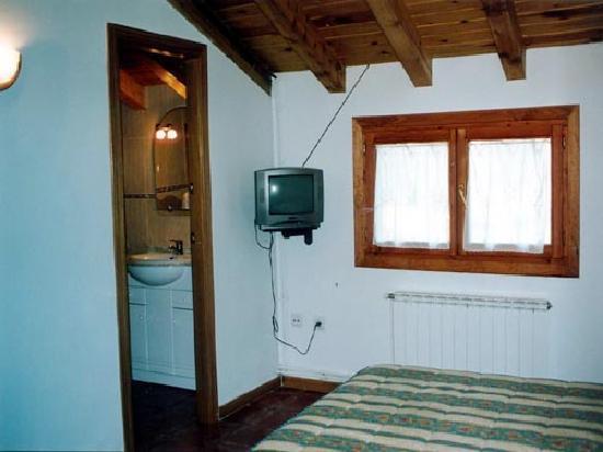 Pensio Samarra: Pensió Samarra - Habitación cama matrimonio