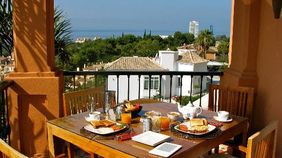 The Marbella Heights Boutique Hotel: Breakfast