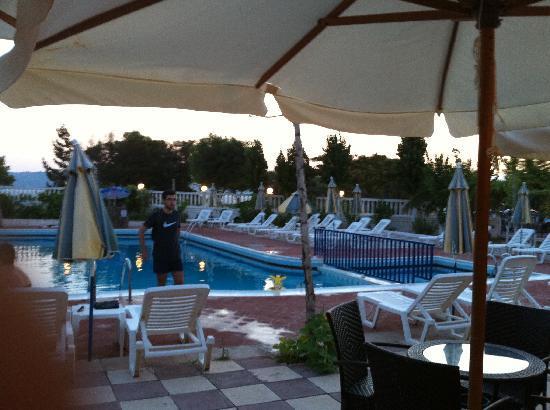 Galaxy Hotel: Hotel Pool